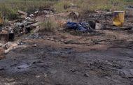 मुंबई के जवाहर द्वीप से कचरा साफ़ करने का लिया ठेका ,  और करोड़ों का अवैध तेल ही साफ कर दिया , तफ्तीश जारी