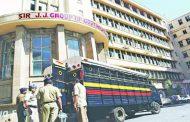 पुलिस गिरफ्तारी के बाद डी कंपनी का गुर्गा इमरान कालिया हॉस्पटिल में कर रहा मज़ा