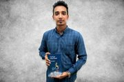 मुंब्रा शहर के निवासी फरहान शेख ने 21 साल की उम्र में अपनी पहली पुस्तक पब्लिश की